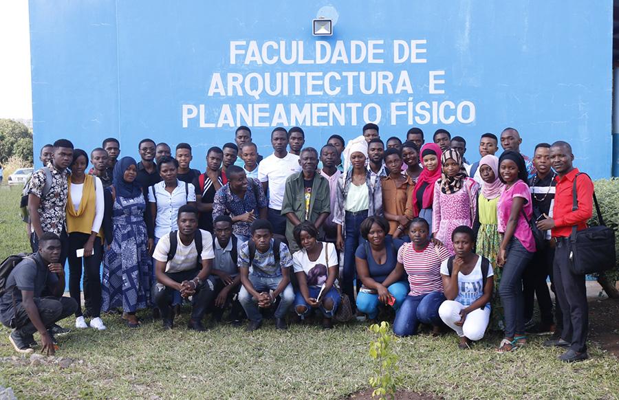 Justino Cardoso profere aula para os estudantes da FAFP