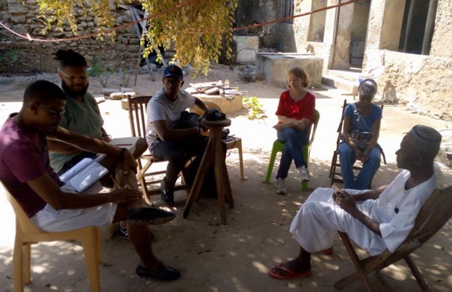 """Pesquisadores do Projecto """"Constelações Transatlânticas"""" em trabalho na Ilha de Moçambique"""